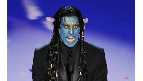 "Ben Stiller in makeup as a character from the movie ""Avatar"" during the 82nd Academy Awards Sunday, March 7, 2010, in the Hollywood section of Los Angeles. (AP Photo/Mark J. Terrill)"